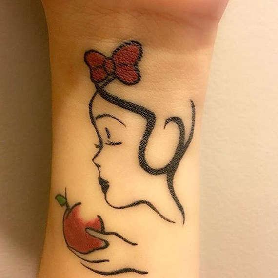 fairy with an apple