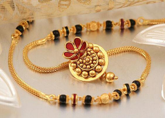 20 Trendy Gold Mangalsutra Designs Kurti Blouse