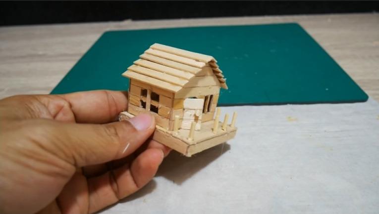 Waterfall mini House
