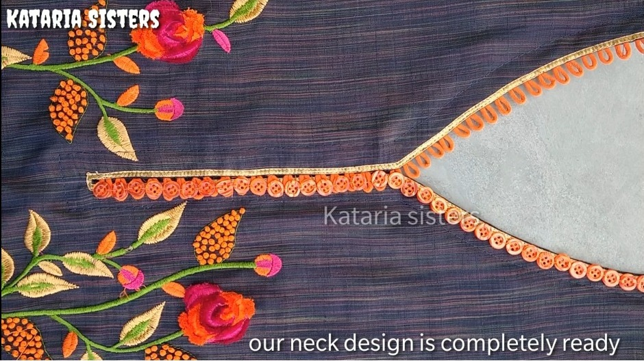 button loops neck design
