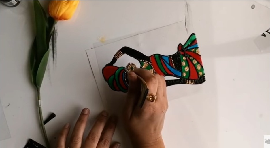 African lady painting