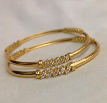 Trendy Gold Bangles
