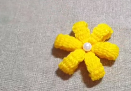 Amazing Flower Crafts Ideas With Woolen Yarn Simple Craft Ideas