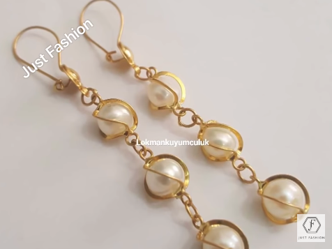Designer Gold Earrings