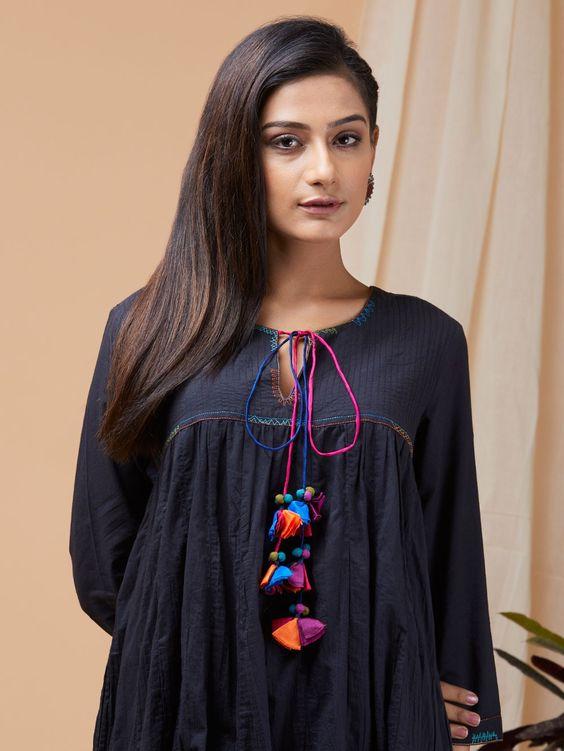Stylish and fashionable kurti neck 10