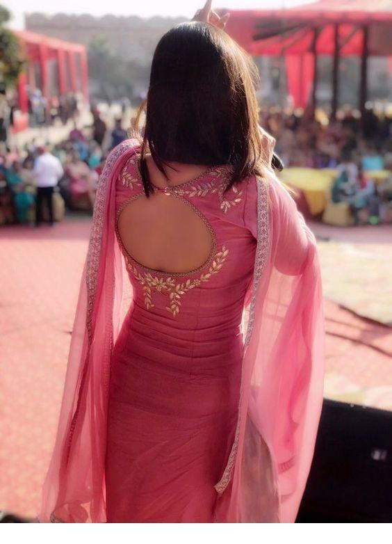 Stylish and fashionable kurti neck 18