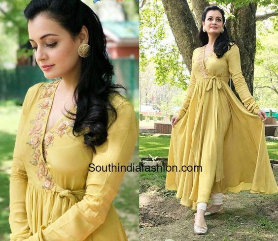 Stylish and fashionable kurti neck 9