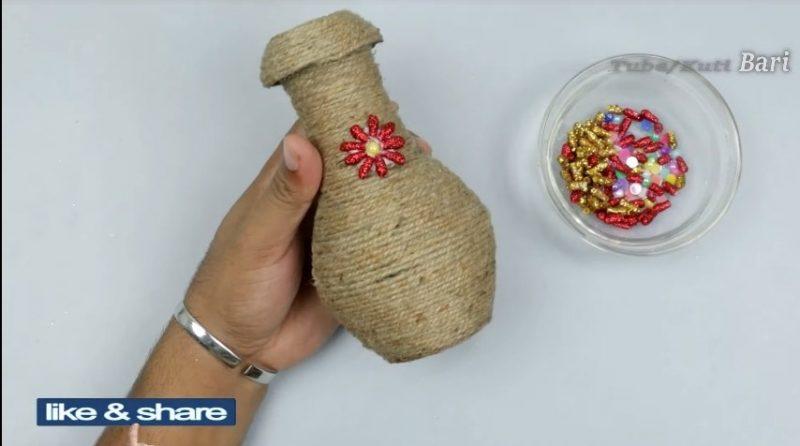 Jute flower vase