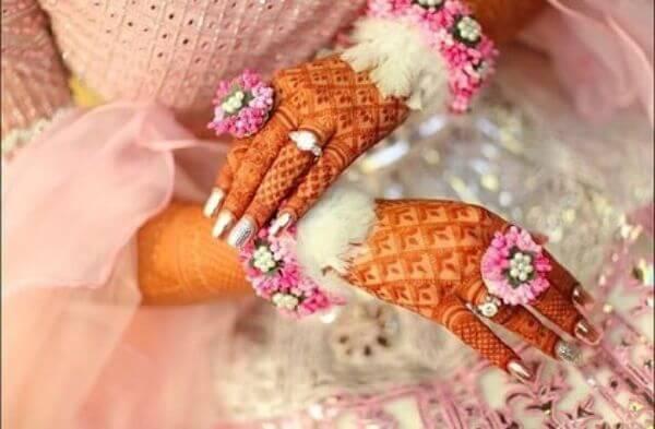Floral Hathphool jewellery