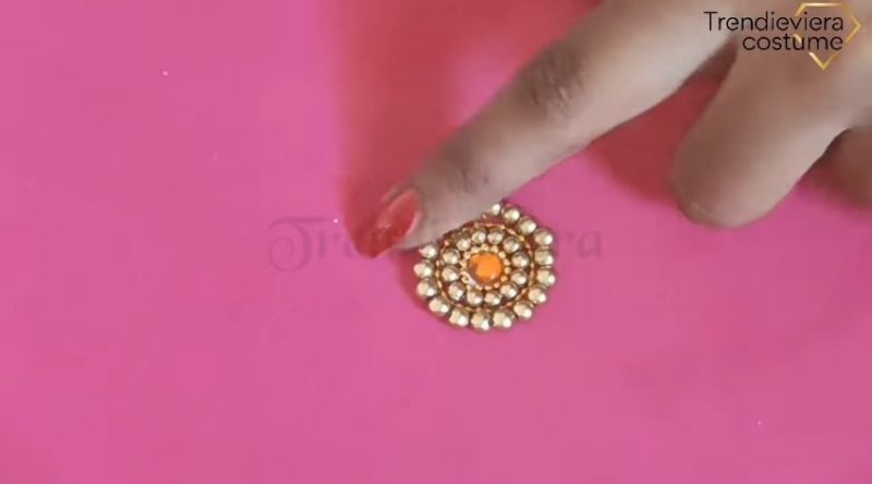 aari round butta design