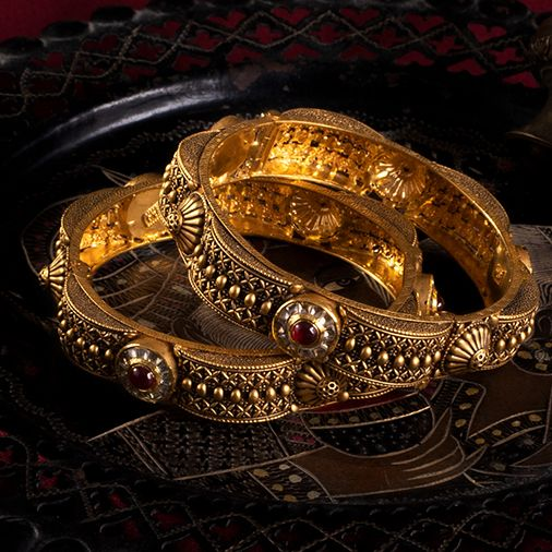 Antique bangle design