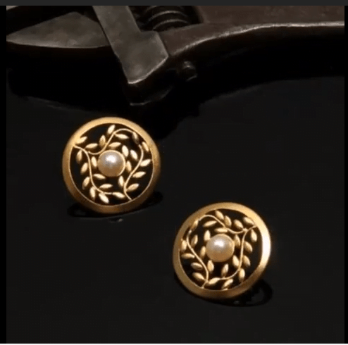 gold stud earrings