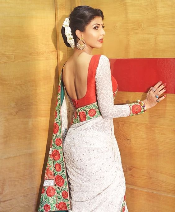Attractive blouse design