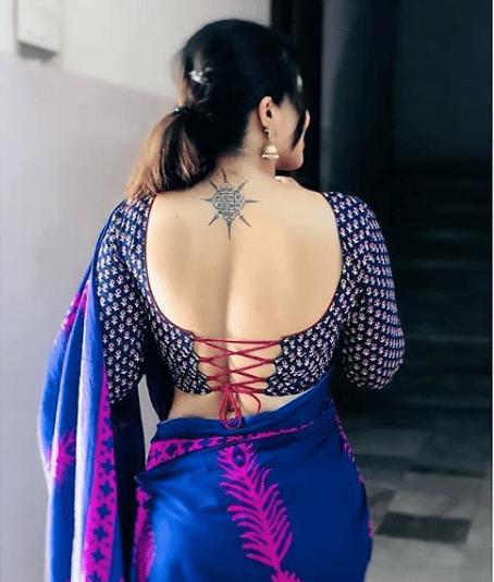 Trendy blouse back neck design
