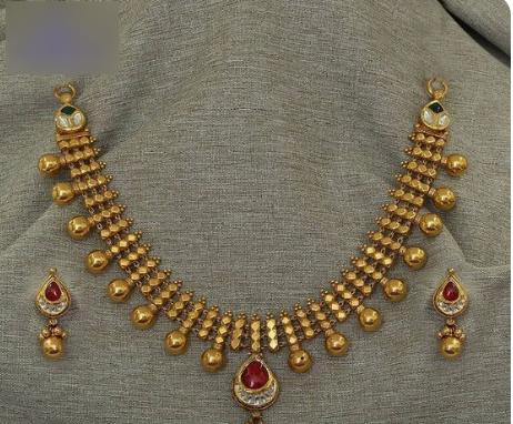 Stylish necklace design