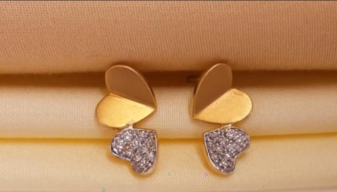 Latest gold ear stud design