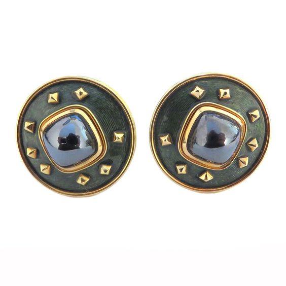 Pearl earring design