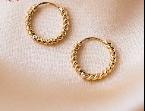 Simple daily wear gold earring design